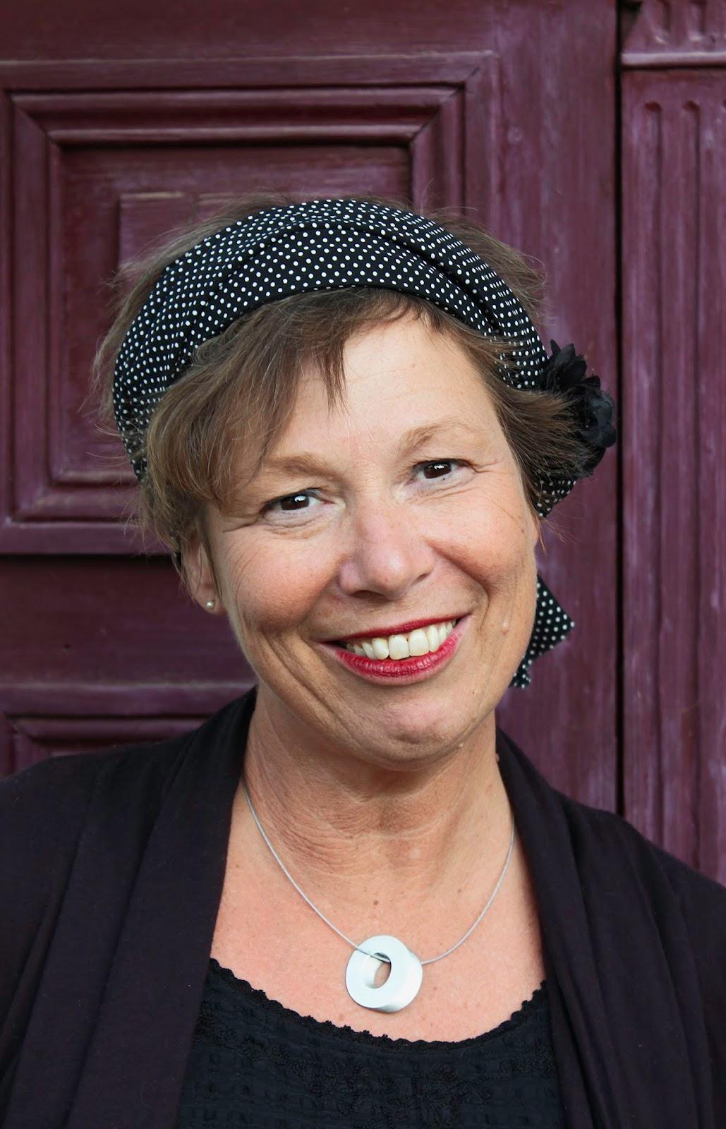 Kerstin Chavent - Auteure (La maladie guérit, etc.), Conférencière, Animatrice d'ateliers d'expression
