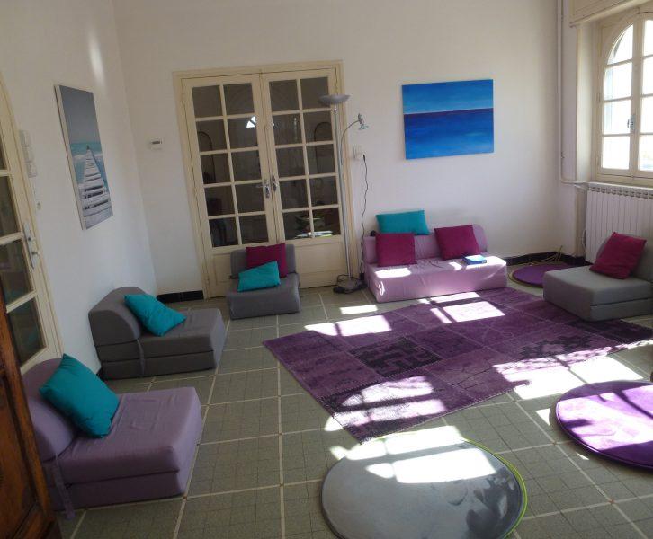 Salle des ateliers indigo proposé par Françoise Sanssené à côté de Saint-Gaudens
